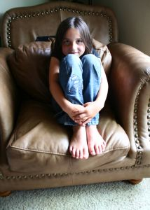 1151714_little_girl_sitting